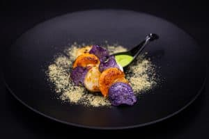 repas traiteur-Noix de saint-jacques snackées avec cuillère-2_TOR EVENTS